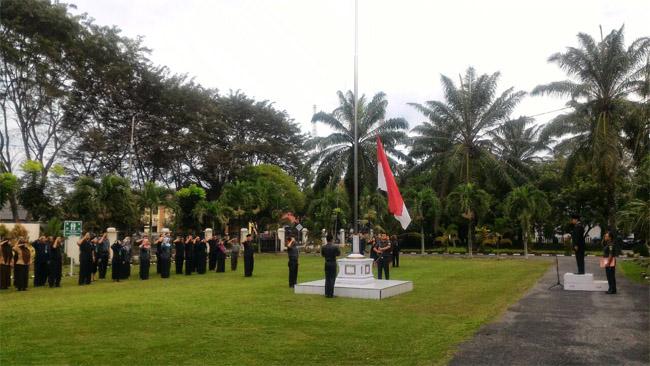 UPACARA BENDERA PERINGATAN HARI PAHLAWAN R.I KE-72 DI PENGADILAN NEGERI STABAT